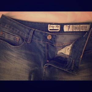 Indigo jeans, ankle length, low waist size 7